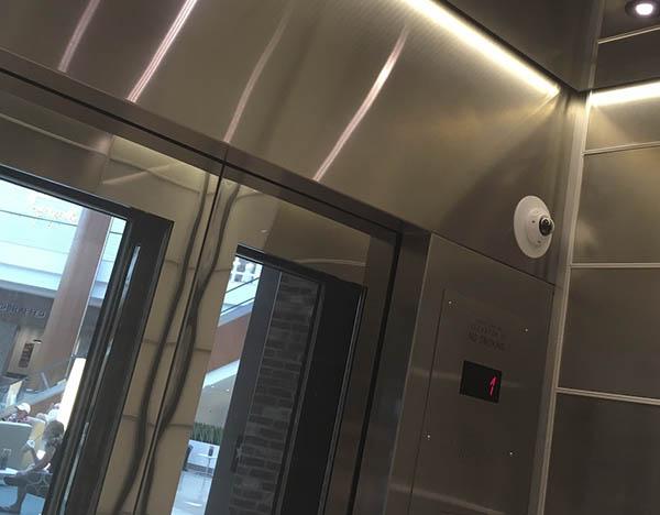 відеоспостереження у ліфті