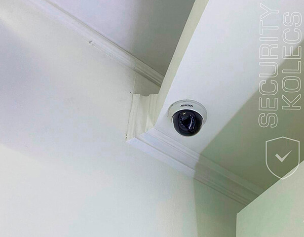 встановлена купольна камера в магазині